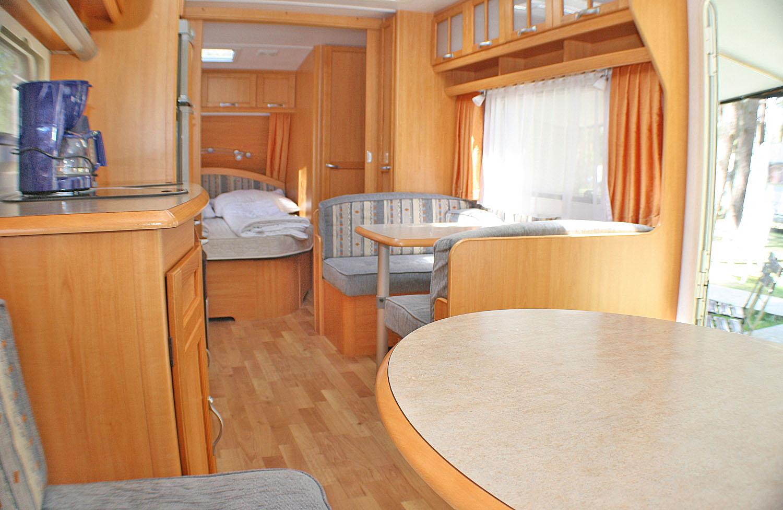 wohnwagen nr 8 feriendomizil l tow. Black Bedroom Furniture Sets. Home Design Ideas
